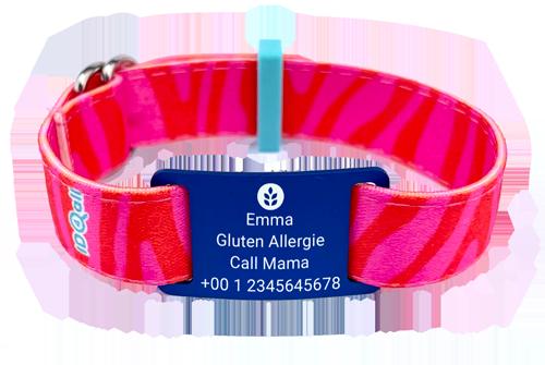Zebra Rosa mit rotem Textschild